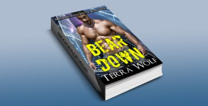 "paranormal fantasy romance ebook ""Bear Down: BBW Paranormal Shape Shifter Romance"" by Terra Wolf"